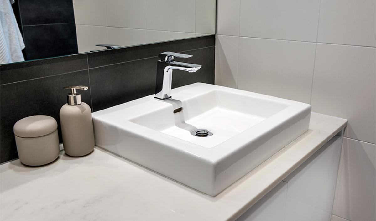 piarawaters main bathroom bathroom gallery basin 03
