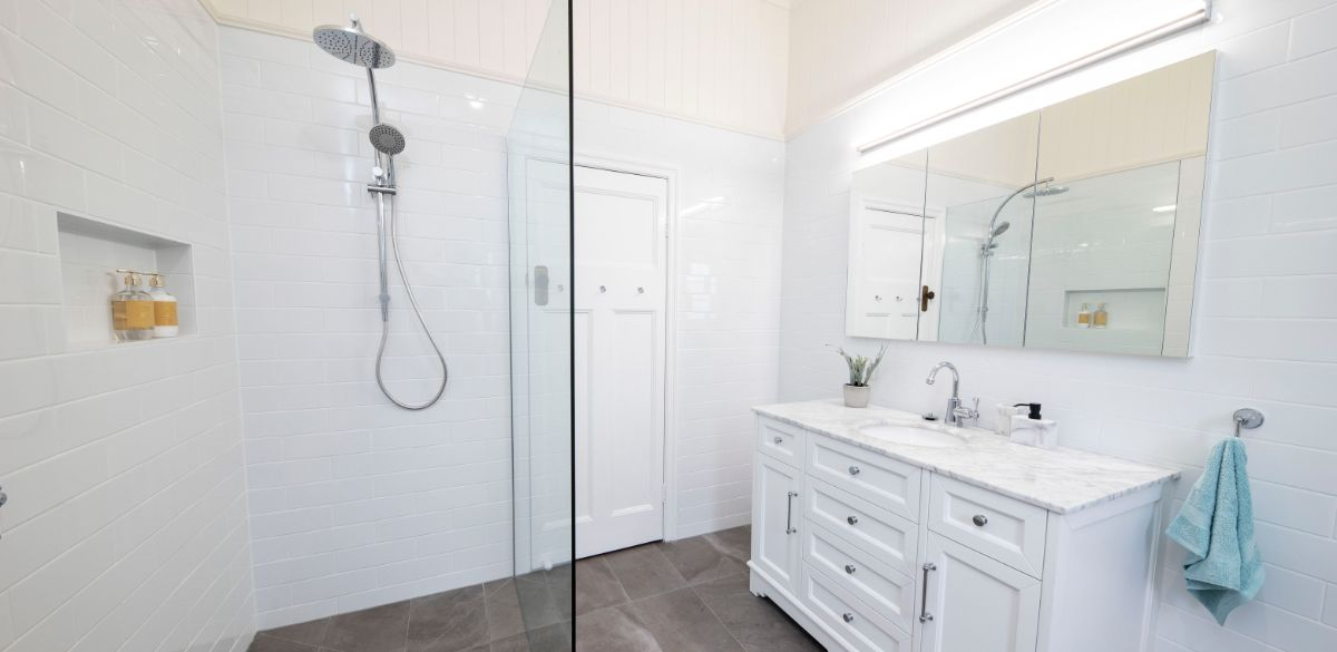 corinda2 main project gallery shower