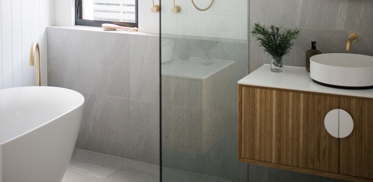freestanding bath vanity unit