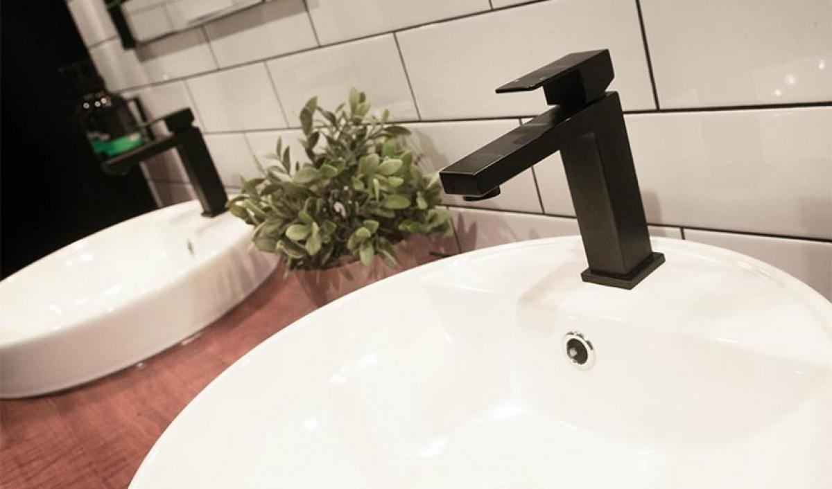 Hart BarThe Railway Hotel bathroom tapware