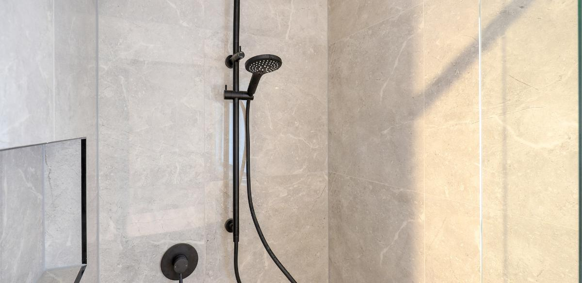 gledswoodhills main project gallery shower