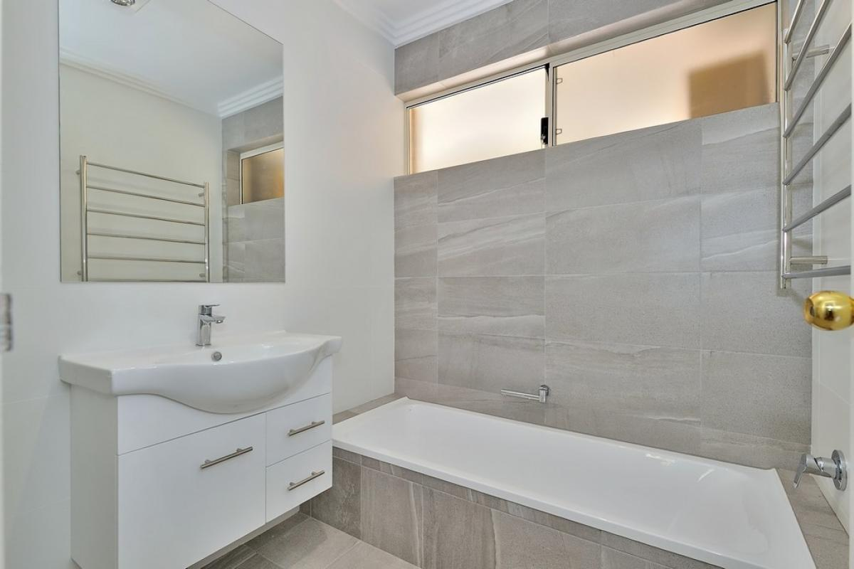 maidavale main project gallery vanity