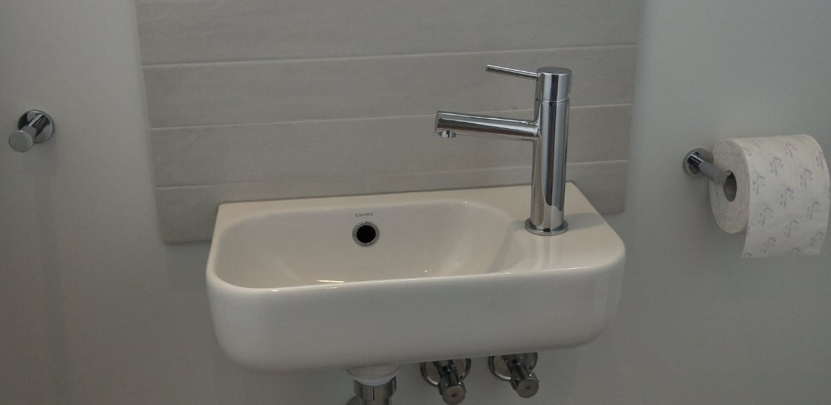 warrnambool powder room bathroom wall hung basin