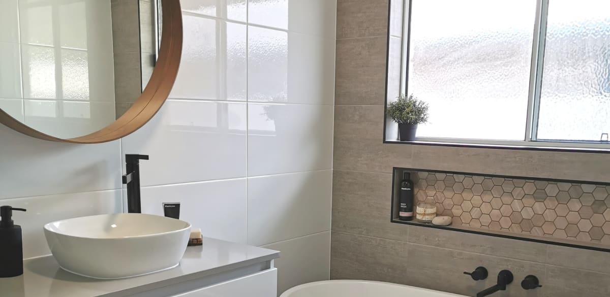 gladstone main project gallery bath
