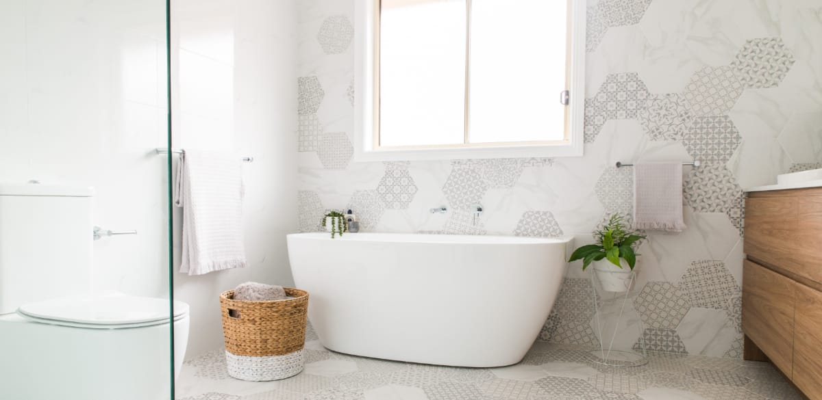 freestanding bathtub matte white