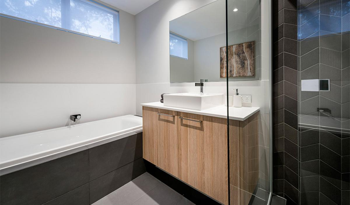 larson main bathroom bathroom gallery vanity 01