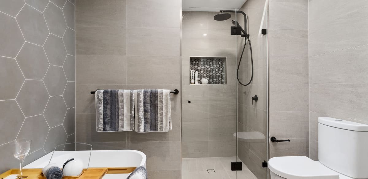 leppington main project gallery shower