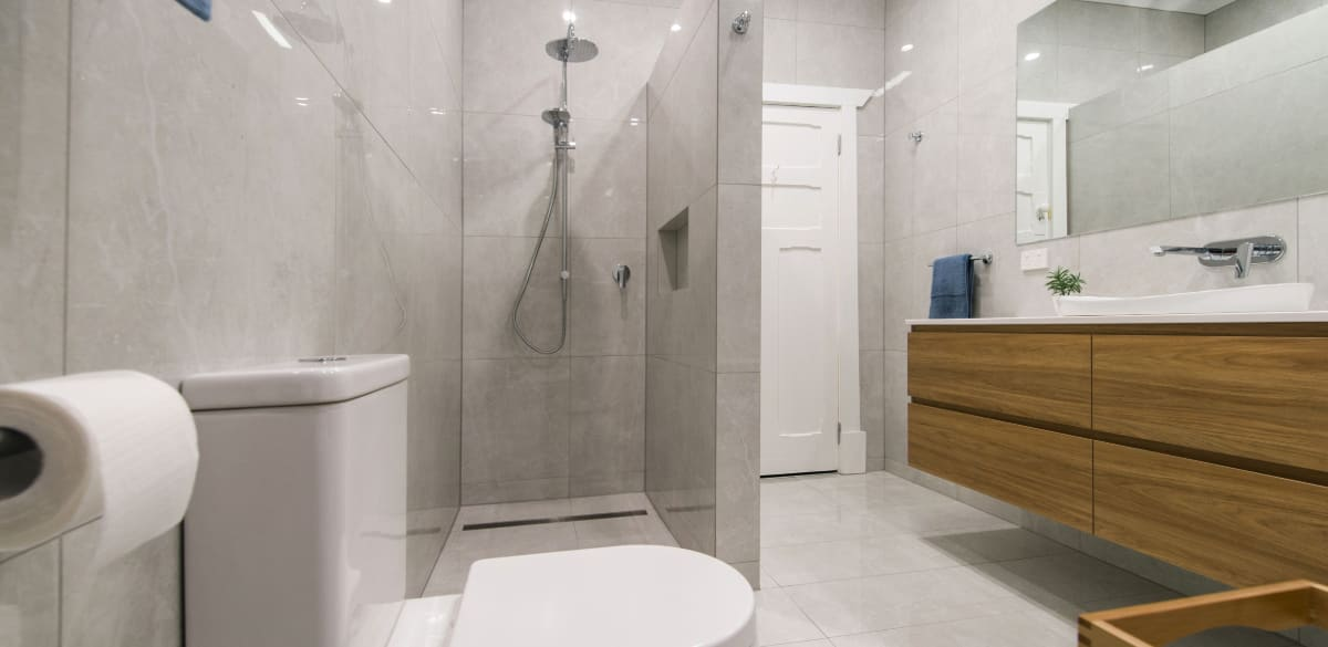 lowermitcham main project gallery shower