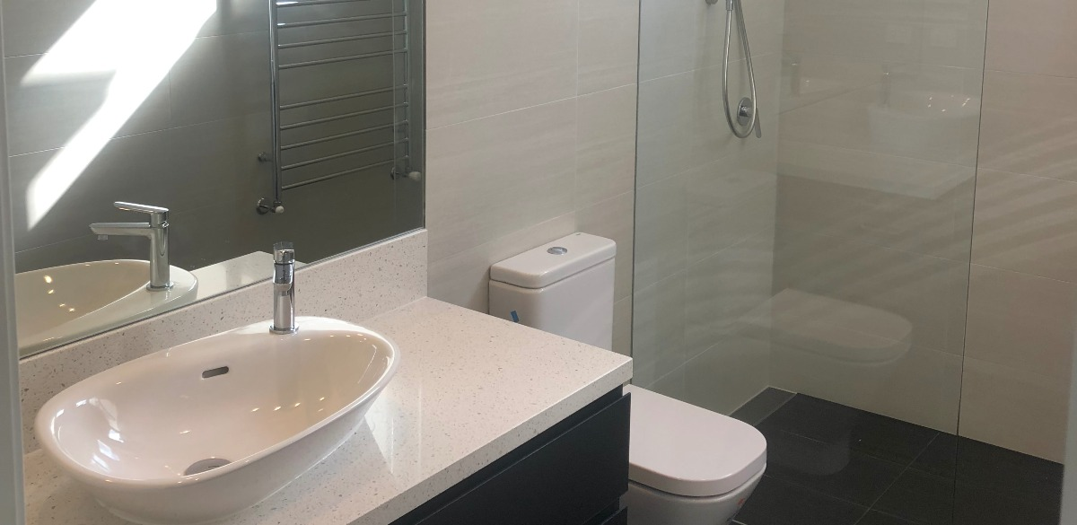 mooneeponds main project gallery shower