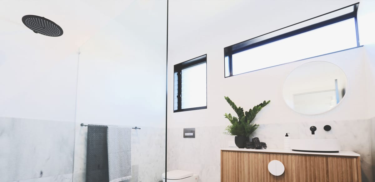 kingstone main project gallery basin matte black tap