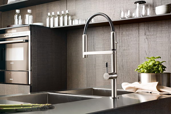 move kitchen aink mixer tap