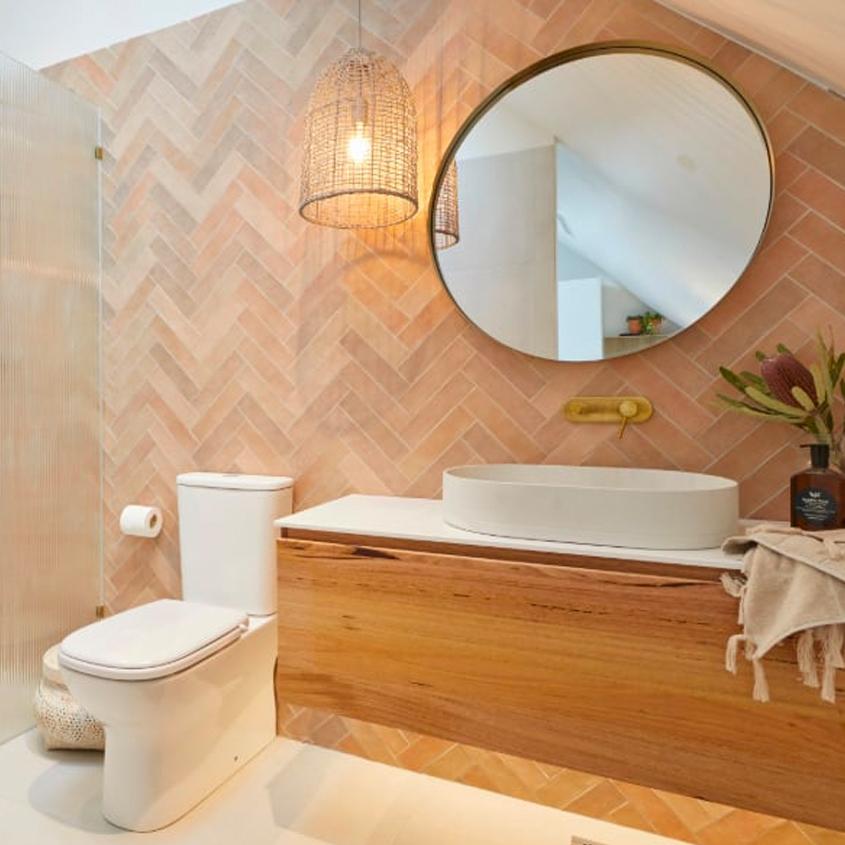 Luke & Jasmin - Studio bathroom