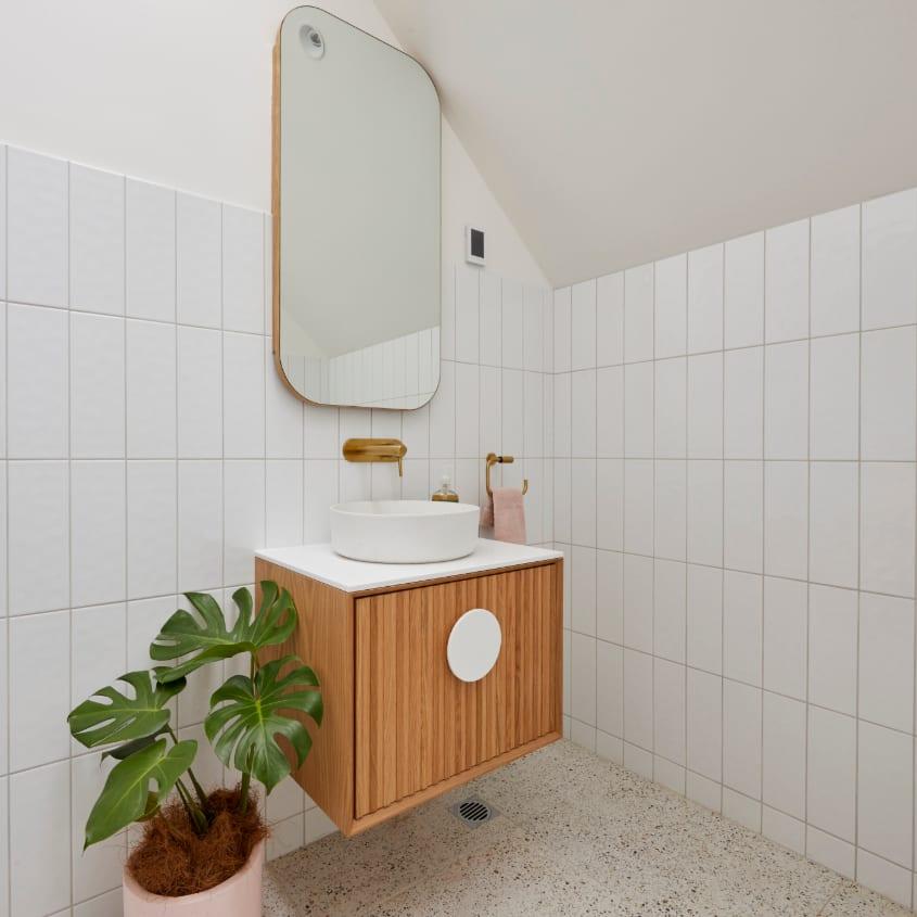 Jimmy & Tam's - Studo bathroom