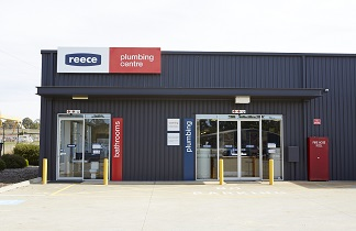 Reece plumbing centre large outdoor signage